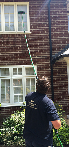 water-fed-pole-window-cleaning-ely